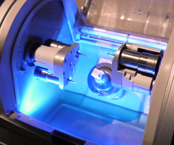 デンタルラボ用多機能CAD/CAMシステム